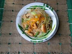 Одно из самых популярных блюд азиатской кухни – фунчоза проста в приготовлении и отлично сочетается с разными компонентами, позволяя кулинару проявить гастрономическую фантазию.