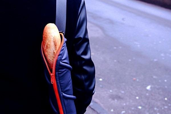 Украинские дизайнеры создали сумку для багета