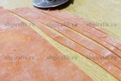 6. Нарезать полосами желаемой толщины и длины.